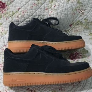 Lightly used Wmns Air Force 1 Low 'Black Gum